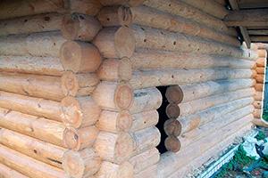 Деревянный дом или баня
